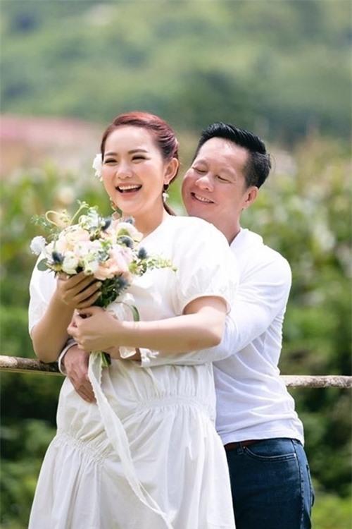 Phan Như Thảo mũm mĩm sau khi sinh con gái đầu lòng.