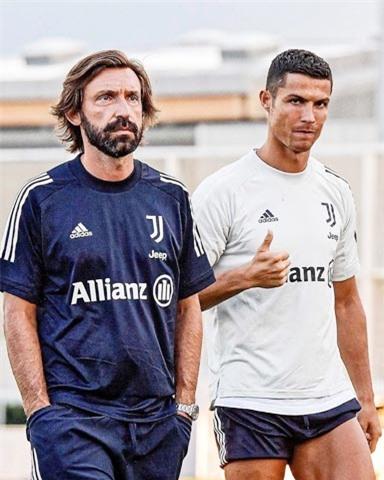 Pirlo cũng sẽ đặt Ronaldo (phải) là trung tâm trong lối chơi của Juve