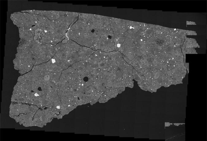 Thiên thạch lạ ở Nam Cực chứa... thứ định hình sự sống Trái Đất - Ảnh 1.