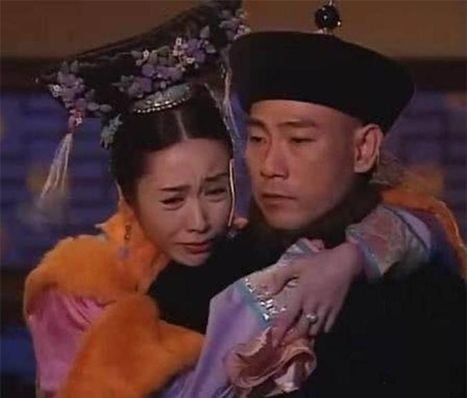 Cặp đôi Tôn thái y Lâm Bảo Di - Ngọc Doanh Lê Tư để lại nhiều tiếc nuối trong phim cung đấu Thâm cung nội chiến.