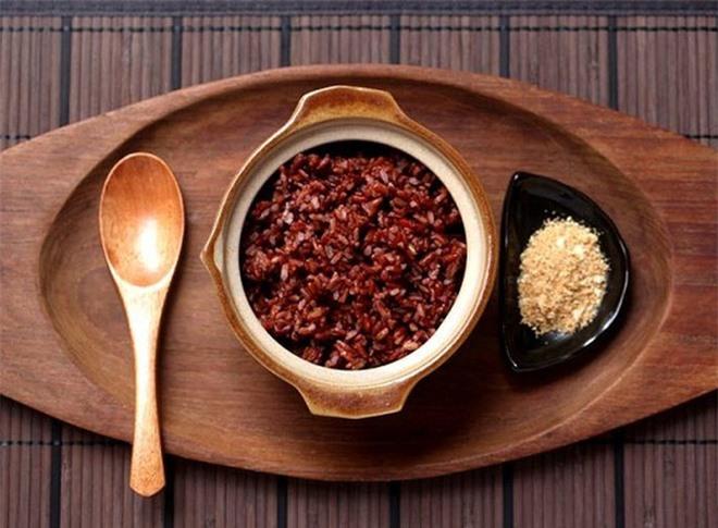 Người hệ tiêu hóa kém không nên ăn gạo lứt