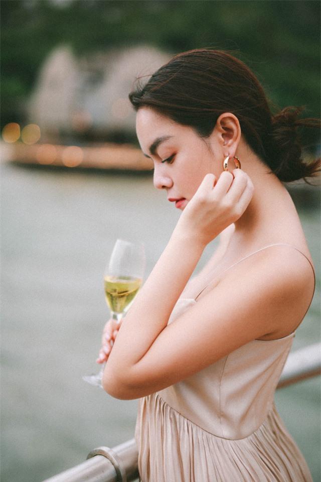 Phạm Quỳnh Anh nói về sản phẩm mới: Bài hát thật đẹp, như sự tha thứ cho chính mình - Ảnh 3.