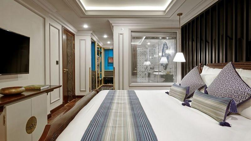 Do kinh doanh ế ẩm, nên nhiều chủ thuê và chủ đầu tư rao bán khách sạn có giá từ vài chục tỷ với vài trăm tỷ đồng (Ảnh: Internet)
