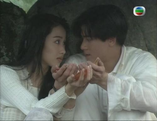 Lê Tư đóng cặp thiên vương Quách Phú Thành trong phim Lửa tình rực cháy của TVB năm 1994.
