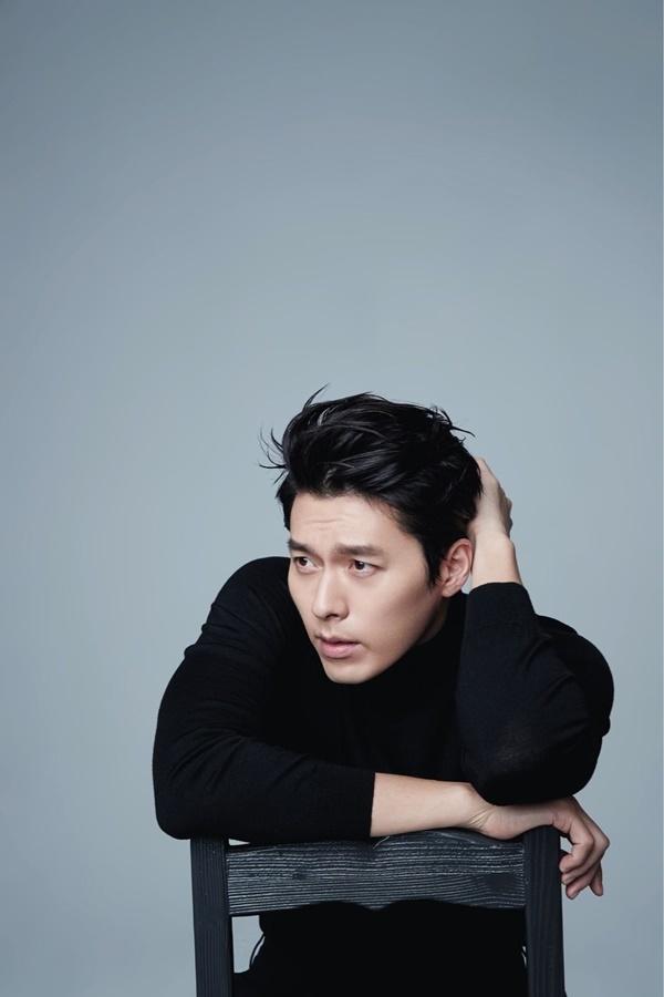 """Hyun Bin là cái tên có đông đảo fan hâm mộ yêu mến, đặc biệt là phái nữ. Anh sinh 25/9/1982, vẻ ngoài điển trai của nam diễn viên luôn làm """"đón tim"""" mọi cô gái."""
