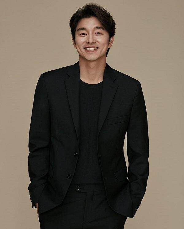 """Gong Yoo sinh ngày 10/7/1979, """"ông chú"""" cực phẩm này luôn khiến triệu con tim phải rung rinh."""