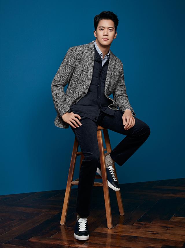 Nam diễn viên sở hữu thành tích học tập khủng Ha Seok Jin sinh ngày 5/3/1982 đã khiến trái tim người hâm mộ xao xuyến ngay từ lần đầu tiên xuất hiện trên truyền hình.