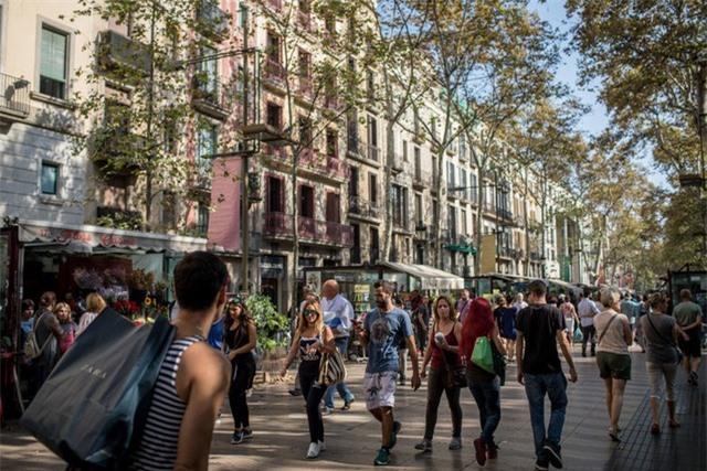 15 con phố nổi tiếng nhất thế giới - 11