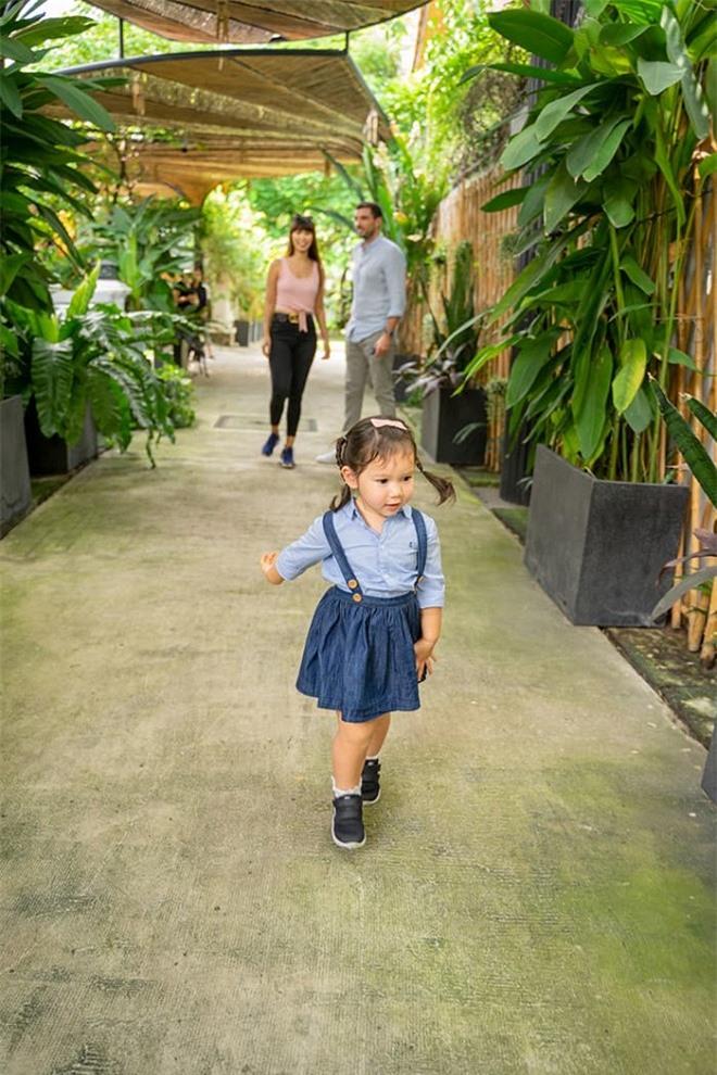 Vợ chồng Hà Anh tham quan trường mẫu giáo 'chuẩn sang chảnh' của con gái Myla 0