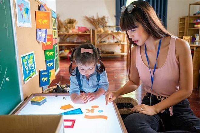 Vợ chồng Hà Anh tham quan trường mẫu giáo 'chuẩn sang chảnh' của con gái Myla 3