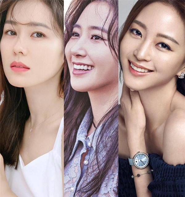 Những tin đồn hẹn hò bí ẩn nhất Kbiz: Son Ye Jin đồng tính, Yoona ngoại tình PSY? - Ảnh 1