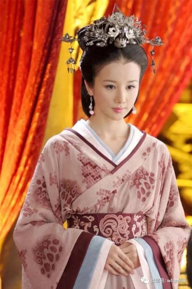 Nữ nhân khiến Hoàng đế cự tuyệt toàn bộ mỹ nhân trên thế gian: Cuộc đời ngắn ngủi luôn được sủng ái, lúc hấp hối buông câu nói gây ám ảnh - Ảnh 1.