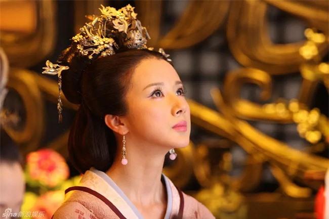 Nữ nhân khiến Hoàng đế cự tuyệt toàn bộ mỹ nhân trên thế gian: Cuộc đời ngắn ngủi luôn được sủng ái, lúc hấp hối buông câu nói gây ám ảnh - Ảnh 2.
