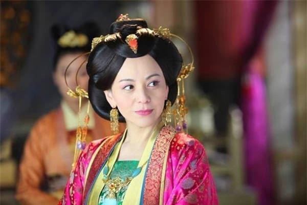 'Mẹ kế ác nhất màn ảnh Hoa ngữ': Lận đận tình duyên, qua hai lần đò vẫn sống cô đơn nhưng nhan sắc tuổi 49 mới đáng chú ý 4