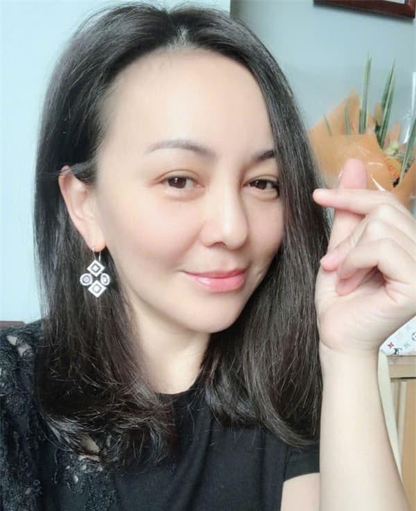 'Mẹ kế ác nhất màn ảnh Hoa ngữ': Lận đận tình duyên, qua hai lần đò vẫn sống cô đơn nhưng nhan sắc tuổi 49 mới đáng chú ý 5