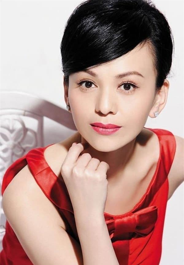 'Mẹ kế ác nhất màn ảnh Hoa ngữ': Lận đận tình duyên, qua hai lần đò vẫn sống cô đơn nhưng nhan sắc tuổi 49 mới đáng chú ý 7