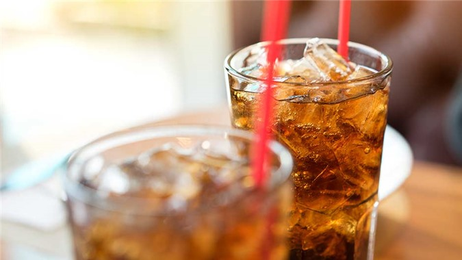 Nên và không nên uống gì khi thời tiết ngày càng nắng nóng hơn? - Ảnh 3