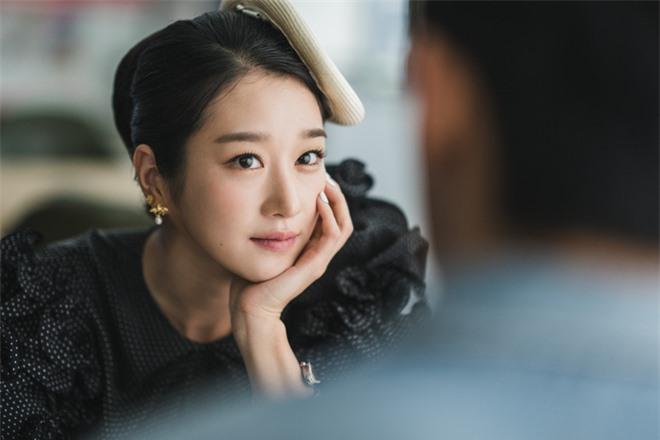 Tranh cãi BXH diễn viên Hàn hot nhất: Hyun Bin - Song Hye Kyo mất dạng, Kim Soo Hyun - Seo Ye Ji hay Lee Jun Ki lên ngai vàng? - Ảnh 5.