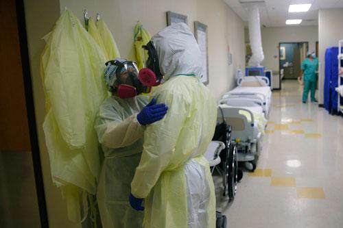 Số ca nhiễm COVID-19 trên toàn cầu vẫn tiếp tục tăng. (Ảnh: AP)