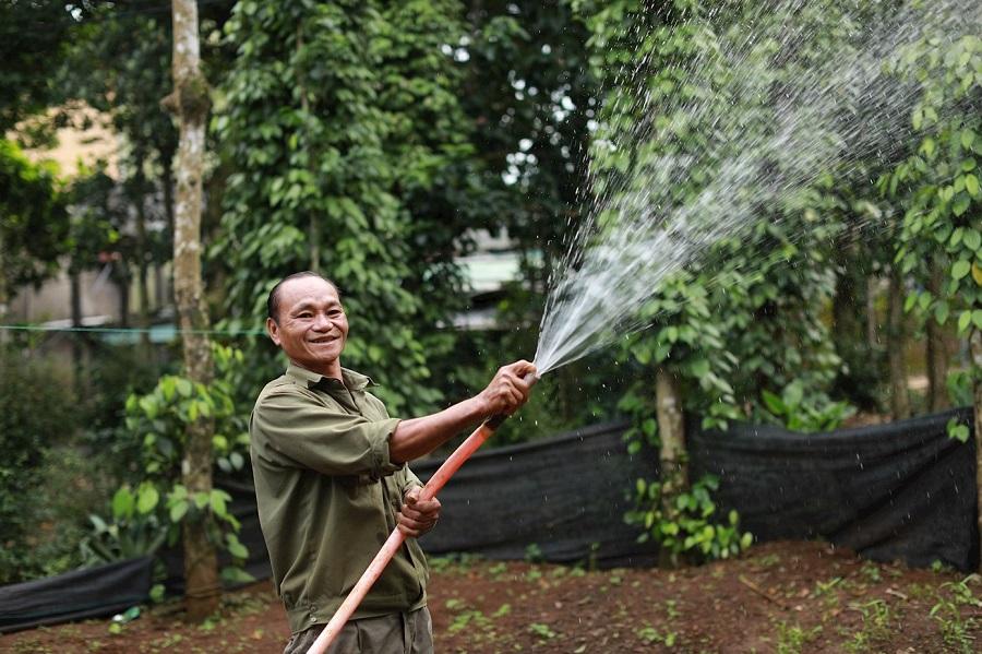"""Nguồn nước sạch quý giá do Huda """"khơi nguồn"""" còn giúp cho người dân miền Trung phục vụ sản xuất, phát triển kinh tế tế gia đình, góp phần xây dựng quê hương."""