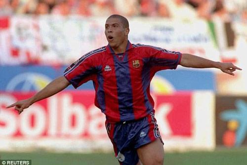 8. Ronaldo (béo) - Thời gian thi đấu từ 1996 đến 1997.