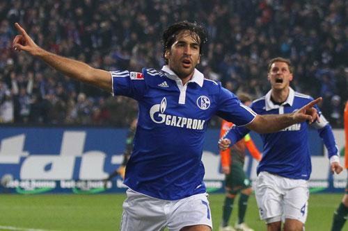 9. Raul Gonzalez (Real Madrid sang Schalke, 2010).