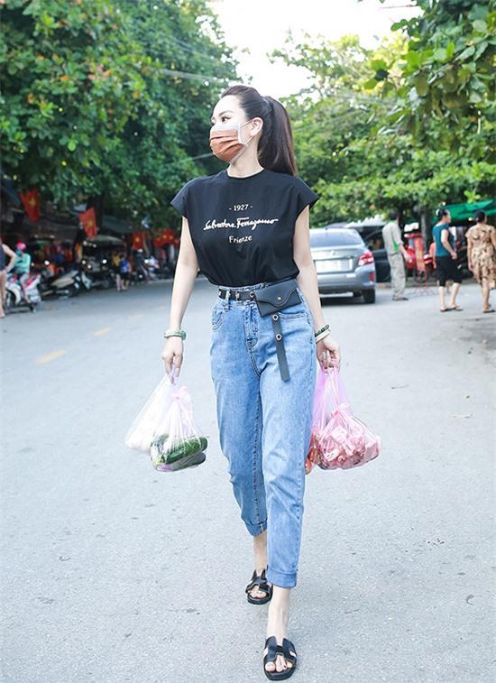 Ánh Linh trông mảnh mai hẳn sau khi giảm 11 kg trong hơn một tháng ăn kiêng nghiêm ngặt.