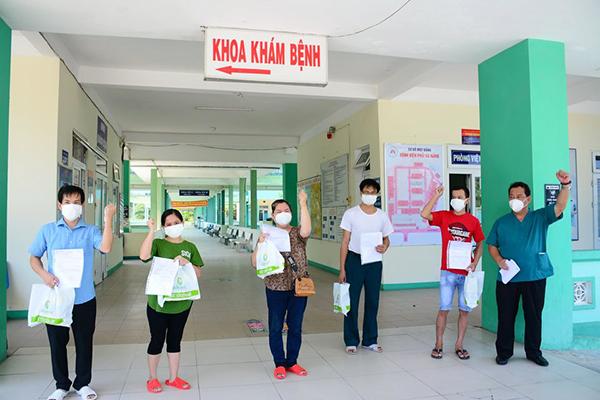 05 bệnh nhân Covid-19 được điều trị khỏi và được Bệnh viện Phổi Đà Nẵng cho xuất viện ssangs 31/8