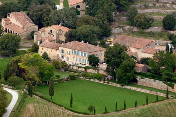 Điền trang Chateau Miraval.