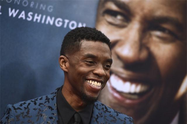 Denzel Washington từng trả tiền học phí cho Chadwick Boseman, tôn vinh ngôi sao quá cố - Ảnh 1.