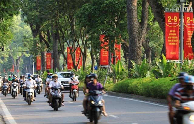 Hà Nội rực rỡ cờ hoa chào mừng Quốc khánh 2/9 - Ảnh 5.