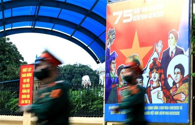 Hà Nội rực rỡ cờ hoa chào mừng Quốc khánh 2/9 - Ảnh 6.