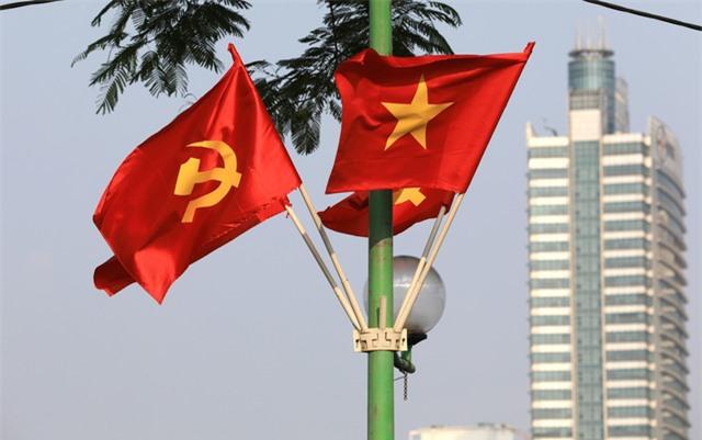 Hà Nội rực rỡ cờ hoa chào mừng Quốc khánh 2/9 - Ảnh 8.