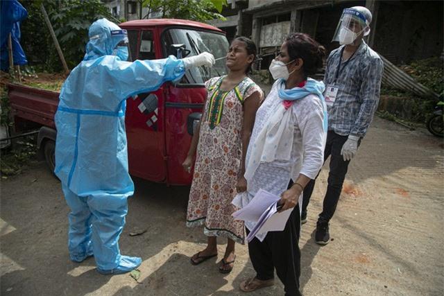 Hơn 25,3 triệu người mắc COVID-19 trên toàn cầu, Brazil có số ca nhiễm mới thấp kỷ lục - Ảnh 1.