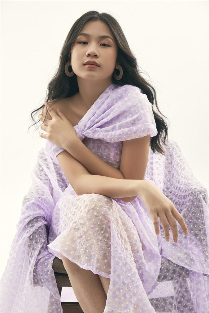 """Là """"tiểu thư"""" nhà nữ giám đốc âm nhạc Giọng hát Việt, cô bé 15 tuổi này ngày càng thần thái - Ảnh 11."""