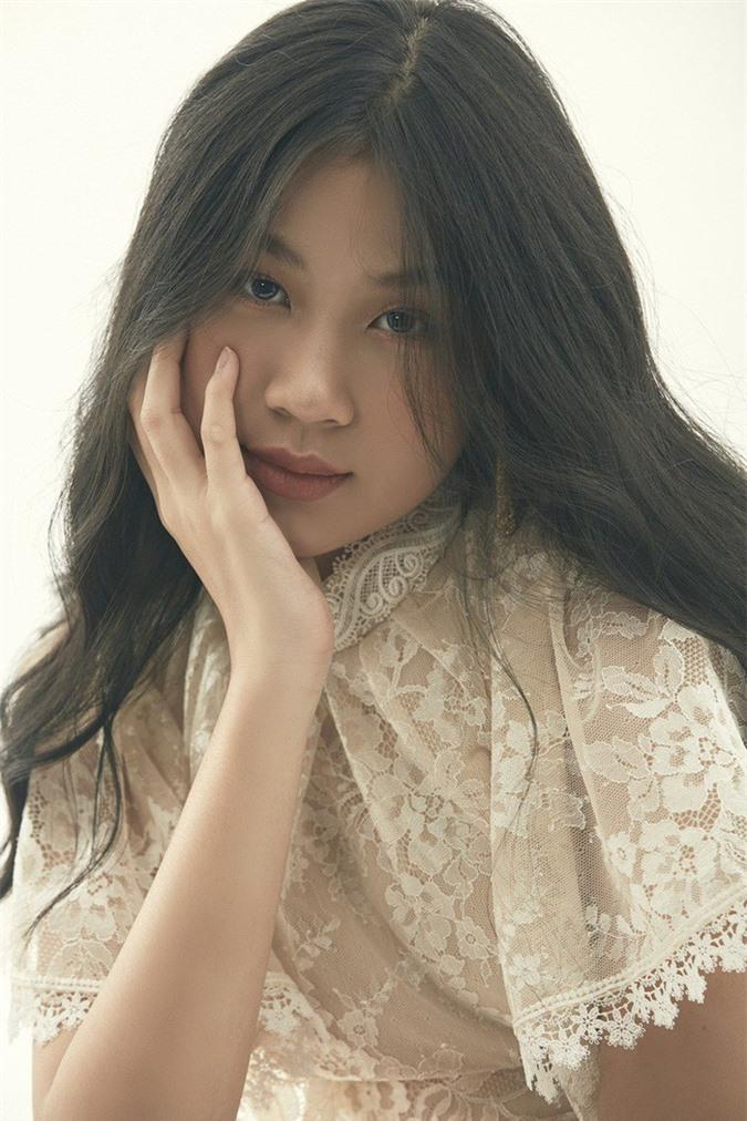 """Là """"tiểu thư"""" nhà nữ giám đốc âm nhạc Giọng hát Việt, cô bé 15 tuổi này ngày càng thần thái - Ảnh 6."""