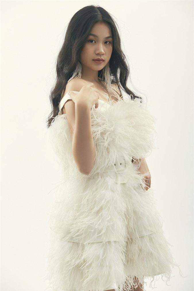 """Là """"tiểu thư"""" nhà nữ giám đốc âm nhạc Giọng hát Việt, cô bé 15 tuổi này ngày càng thần thái - Ảnh 8."""