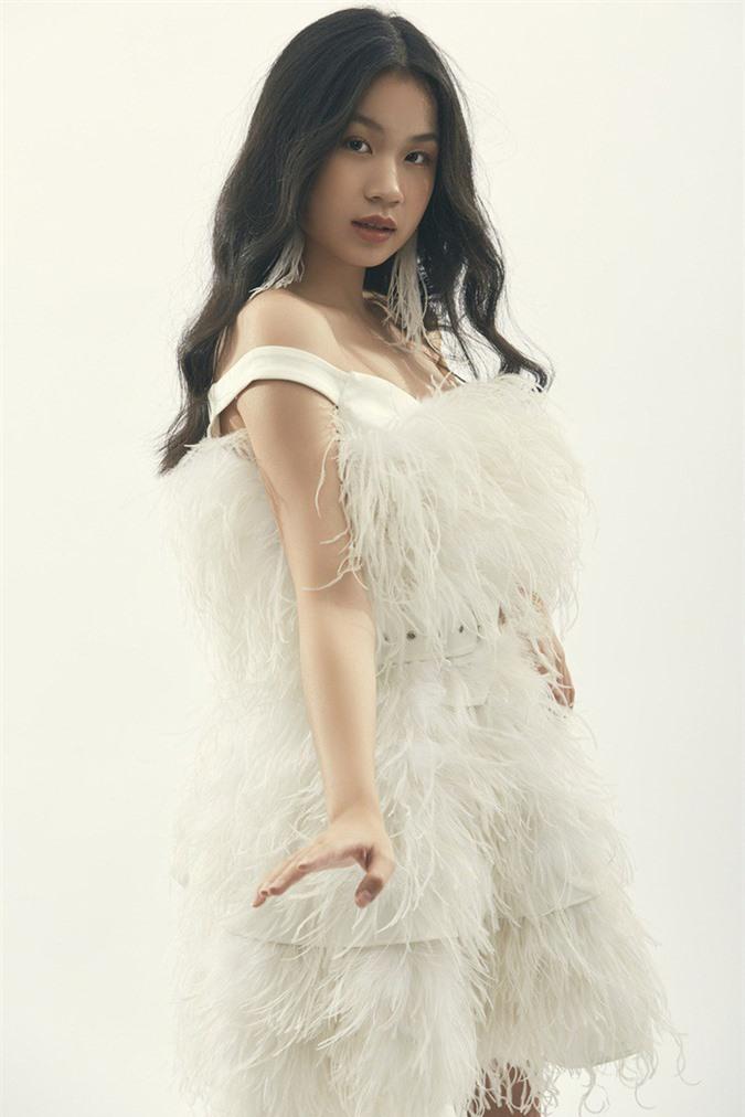 """Là """"tiểu thư"""" nhà nữ giám đốc âm nhạc Giọng hát Việt, cô bé 15 tuổi này ngày càng thần thái - Ảnh 9."""