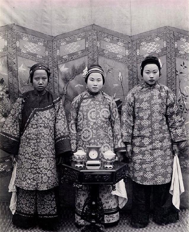 Loạt ảnh cũ phản ánh chân thực nhất về những phụ nữ người Hán vào cuối thời nhà Thanh - Ảnh 10.