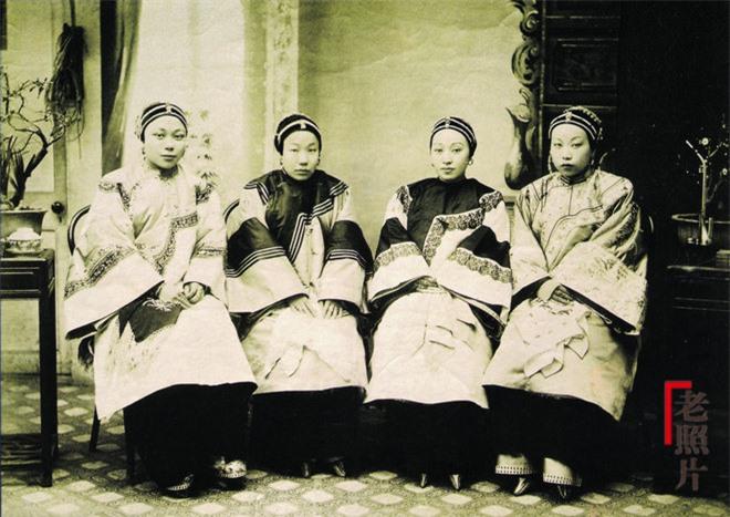 Loạt ảnh cũ phản ánh chân thực nhất về những phụ nữ người Hán vào cuối thời nhà Thanh - Ảnh 4.