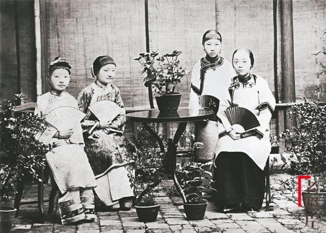 Loạt ảnh cũ phản ánh chân thực nhất về những phụ nữ người Hán vào cuối thời nhà Thanh - Ảnh 5.