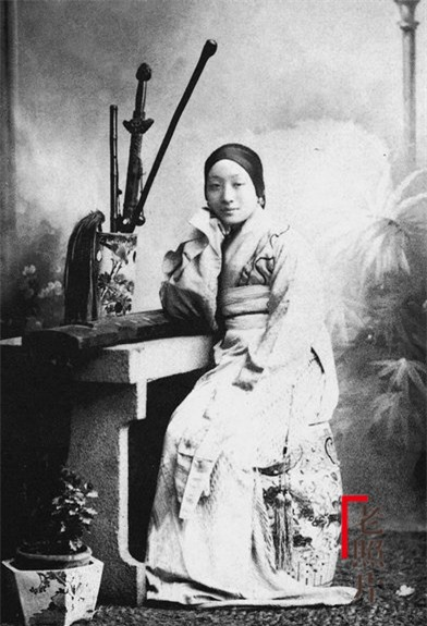 Loạt ảnh cũ phản ánh chân thực nhất về những phụ nữ người Hán vào cuối thời nhà Thanh - Ảnh 8.