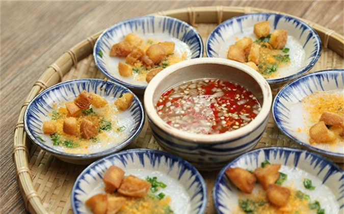 Top 10 món ăn vặt ngon và rẻ nhất ở Huế