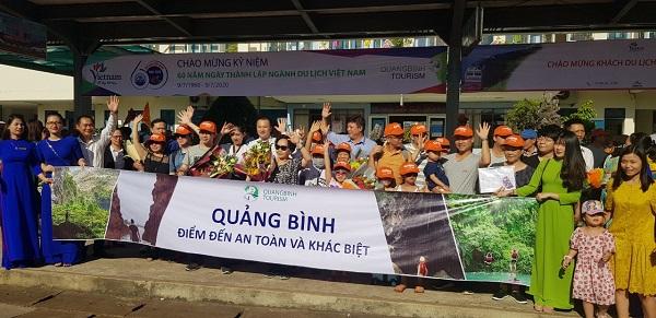 Đoàn tầu của Liên minh du lịch Unesco Hà Nội đến Quảng Bình hồi chưa bùng phát dịch Covid-19 lần 2.