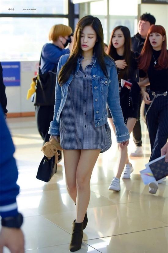 10 bộ cánh giúp Jennie (BLACKPINK) trở thành biểu tượng thời trang xứ Hàn - Ảnh 9