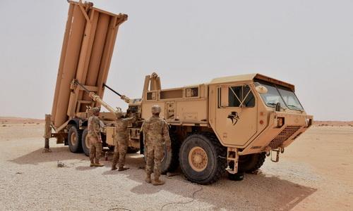 Xe mang phóng tự hành của Tổ hợp phòng thủ khu vực tầm cao giai đoạn cuối (THAAD). Ảnh: Defence Blog.