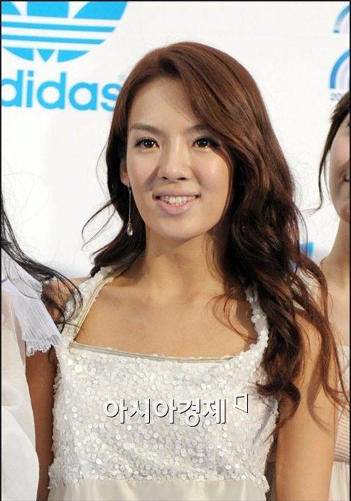 Giờ đây là nữ thần K-Pop, mấy ai biết thuở debut họ bị chê xấu thậm tệ ra sao - Ảnh 1