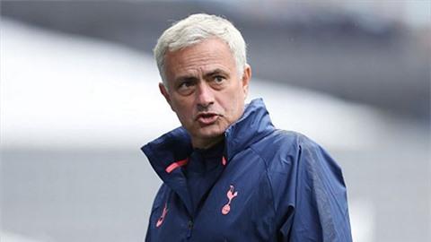 HLV Mourinho méo mặt vì lịch đấu 'hành xác' của Tottenham