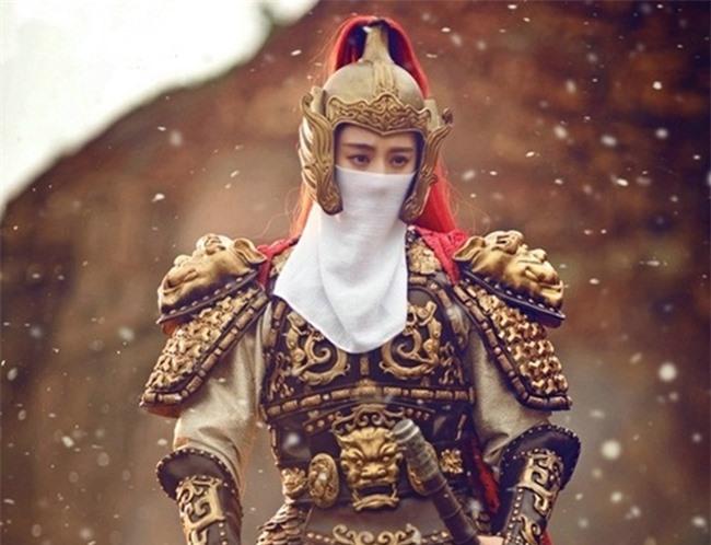 """Hoàng đế vì quá yêu Vương hậu mà tổ chức cả """"đám cưới ma"""" gả nàng cho Tiên tổ, biết danh tính của nàng ai cũng hiểu lý do vì sao - Ảnh 1."""
