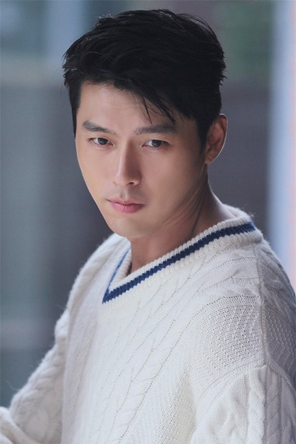 Nghìn lẻ phong cách hớp hồn fan của 'nam thần' Hyun Bin - Ảnh 1